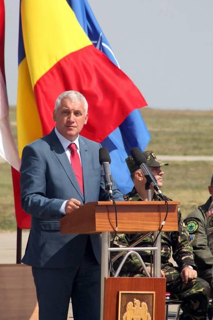 Adrian Ţuţuianu critică Guvernul (Sursa foto: Facebook/Adrian Ţuţuianu)