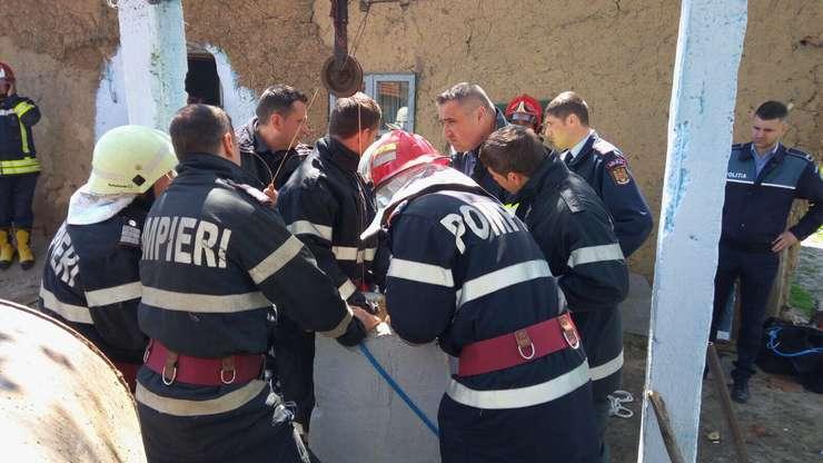 Echipele de intervenţie salvează un copil căzut într-un puţ în judeţul Teleorman