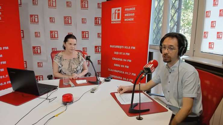 Adriana Săftoiu, în studioul RFI (arhivă)