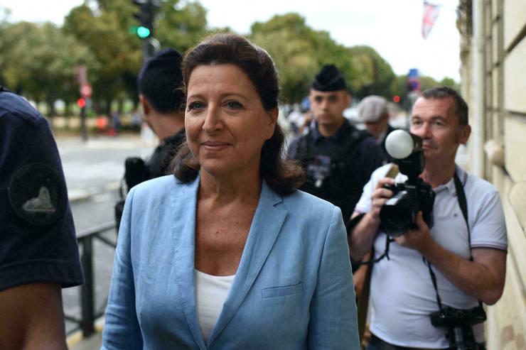 Agnès Buzyn a demisionat din postul de ministrul al Sănătății la mijlocul lui februarie 2020 la începutul epidemiei de Covid-19. Aici, ajunge la Curtea de Justiție, Paris, 10 septembrie 2021.