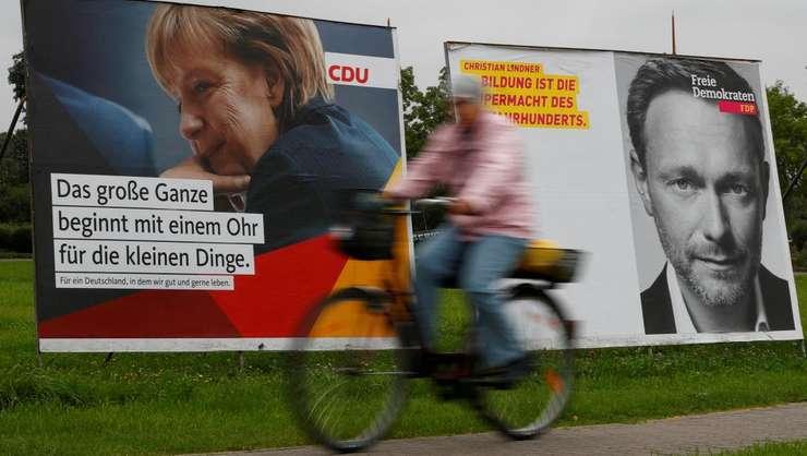 Afişe electorale pentru alegerile din Germania (Foto: Reuters/Fabrizio Bensch)