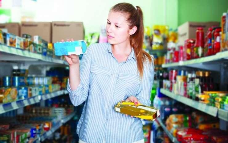 Funcţionarii europeni au descoperit că există producători care plasează pe diverse pieţe produse cu arome şi compoziţii diferite, cu un ingredient principal diferit, dar având acelaşi aspect şi acelaşi ambalaj, scrie ziarul Adevărul