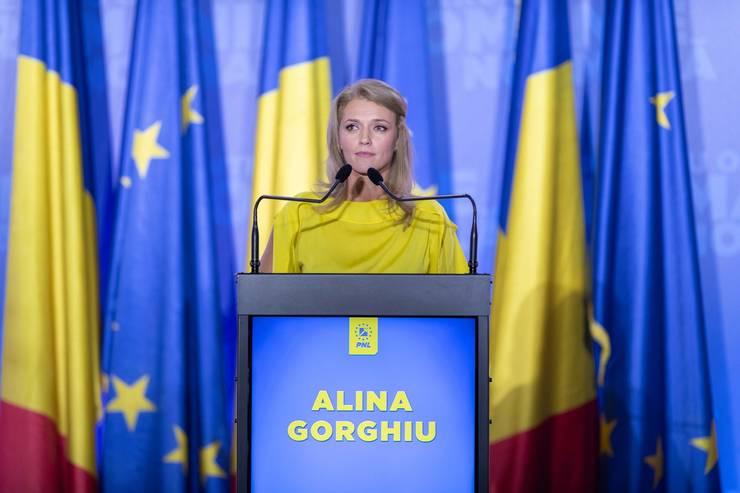 Alina Gorghiu speră că luni va fi depășită criza din coaliție (Sursa foto: Facebook/Alina Gorghiu)
