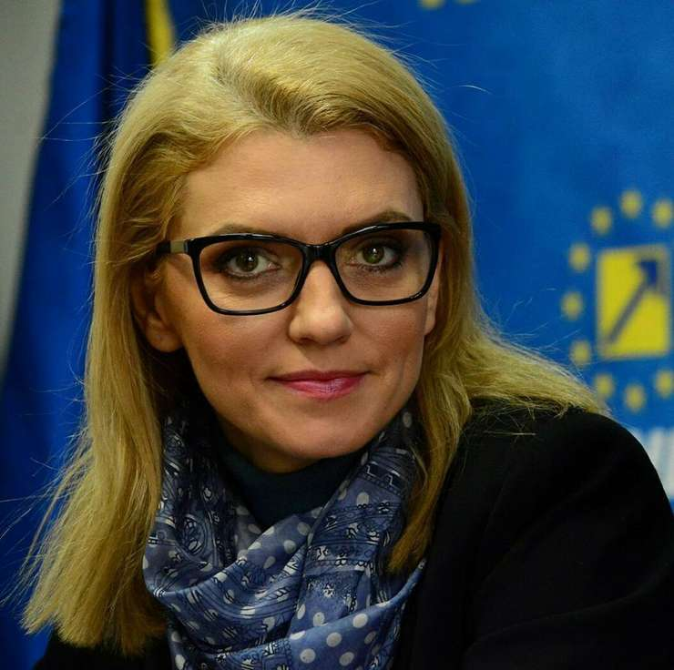 Alina Gorghiu critică forma actuală a legii salarizării (Sursa foto: Facebook/Alina Gorghiu)