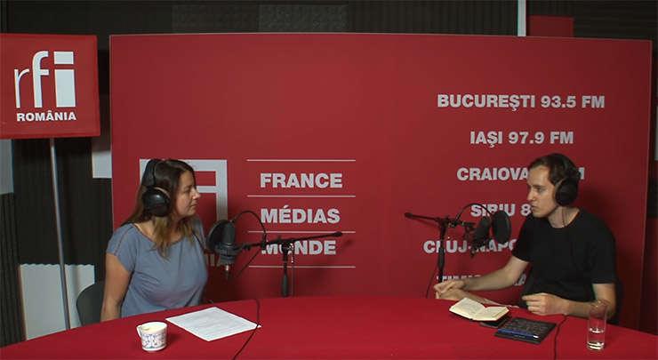 Andreea Pietrosel si Alin Grămescu in studioul de inregistrari RFI Romania