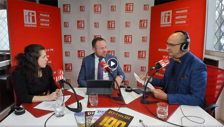 Andreea RADU, Sorin IACOB și Sergiu COSTACHE in studioul de emisie RFI Romania