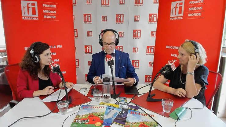 Andreea Radu, Sergiu Costache si Rodica FUICU in studioul de emisie RFI Romania