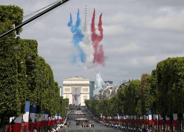 14 Iulie pe Champs Élysées la Paris