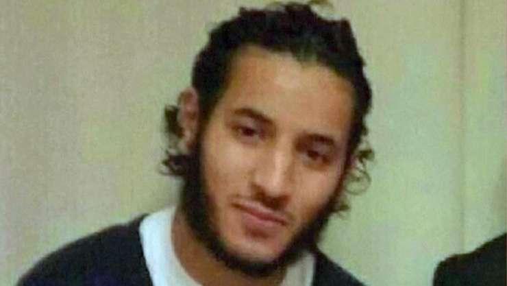 Inainte sà fie ucis de fortele de interventie, Larossi Abballa revendicase pe Facebook dublul asasinat