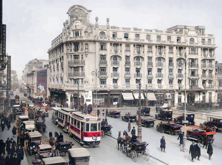 Athénée Palace Bucuresti in perioada interbelica - fotografie partial colorizata