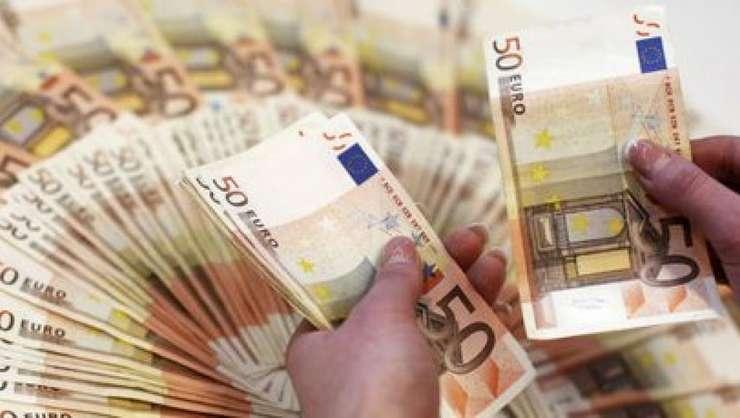 Autoritatile franceze au depistat 416 finantatori ai Daesh