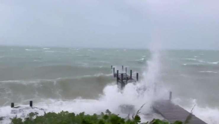 Bahamas, duminica 1 septembrie 2019, odata cu apropierea uraganului Dorian.
