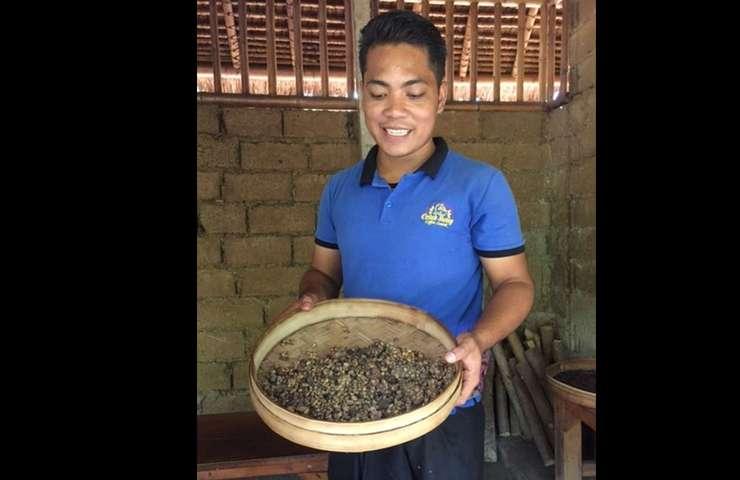 Darma, ghidul de la ferma de cafea din Bali
