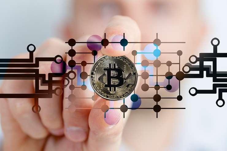 Controverse pe tema bitcoin. Roubini vs. bancherii de investiții.