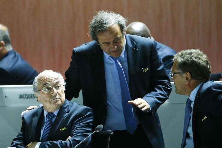 Joseph Blatter, Michel Platini şi Jérôme Valcke (Foto: Reuters/Ruben Sprich/arhivă)