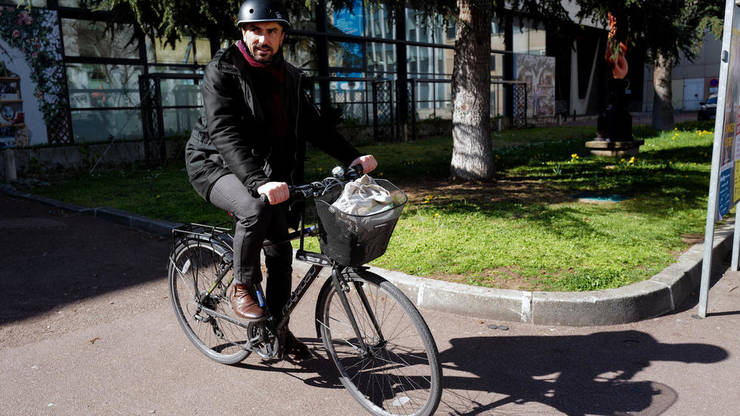 Candidatul Europe Ecologie-Les Verts, Grégory Doucet, a ieșit pe primul loc la primul tur de municipale, din martie 2020, cu 28,46%  din voturi, la Lyon.