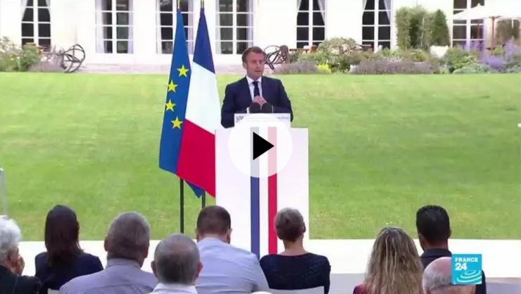 Preşedintele Emmanuel Macron adresîndu-se în grădina Palatului Elysée membrilor Convenţiei cetăţeneşti pentru tranziţia ecologică.
