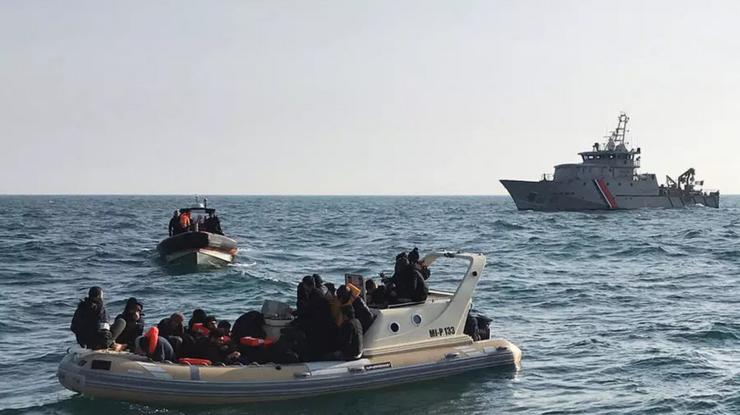 În jur de 20 de migranţi interceptati de britanici pe 18 februarie 2019 în Marea Mînecii.