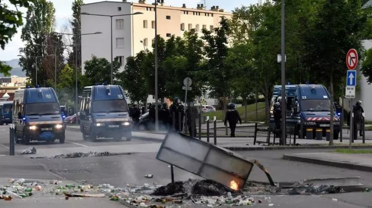 Violenţe în cartierul Grésilles de la Dijon între localnici şi membri ai comunităţii cecene, 15 iunie 2020.