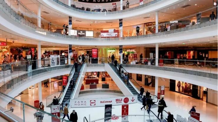 Centrul comercial Beaugrenelle, Paris, 30 ianuarie 2021.