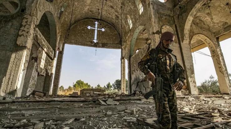 Ruinele unei biserici creştine în Siria, localitatea Tal Nasri din provincia Hasakah, noiembrie 2019.