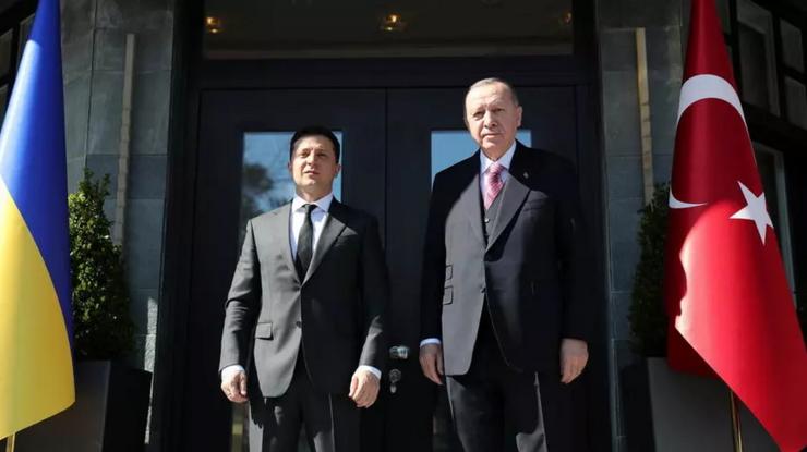 Preşedinţii ucrainean Volodimir Zelenski şi turc Recep Tayyip Erdogan, Istanbul, 10 aprilie  2021.