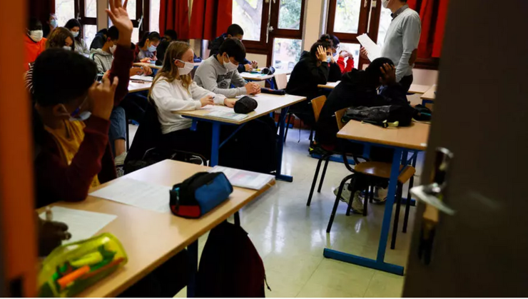 În Franţa au reînceput cursurile pe data de 3 mai în şcolile generale şi în licee.