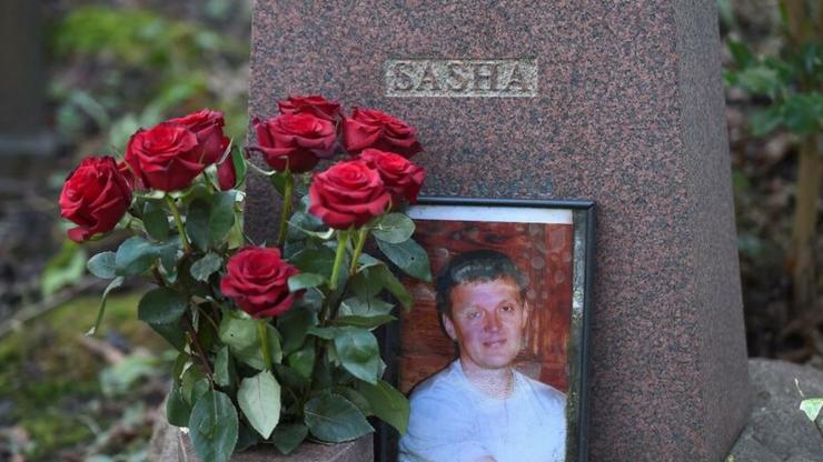 Mormîntul fostului agent KGB Alexander Litvinenko, Cimitirul de la Highgate, Londra.