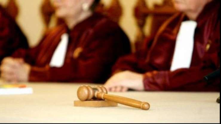 Curtea Constitutionala admite sesizarea Guvernului referitoare la revocarea sefei DNA