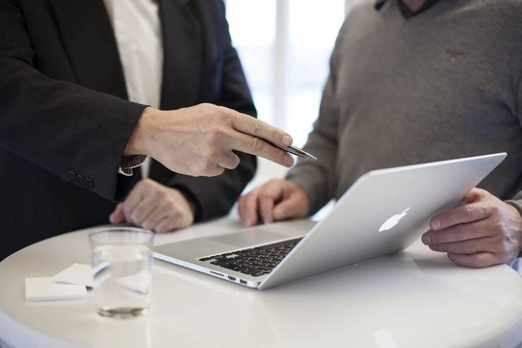 Oamenii de afaceri așteaptă predictibilitate de la Guvern (Sursa foto: pixabay)