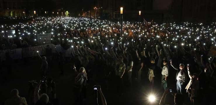 Finalul mitingului, în fața Parlamentului de la Budapesta. Foto: Index.hu