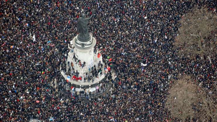 Manifestatie în Place de la République din Paris în memoria victimelor atentatelor de la revista Charlie Hebdo si magazinul Hyper Casher, 11 ianuarie 2015