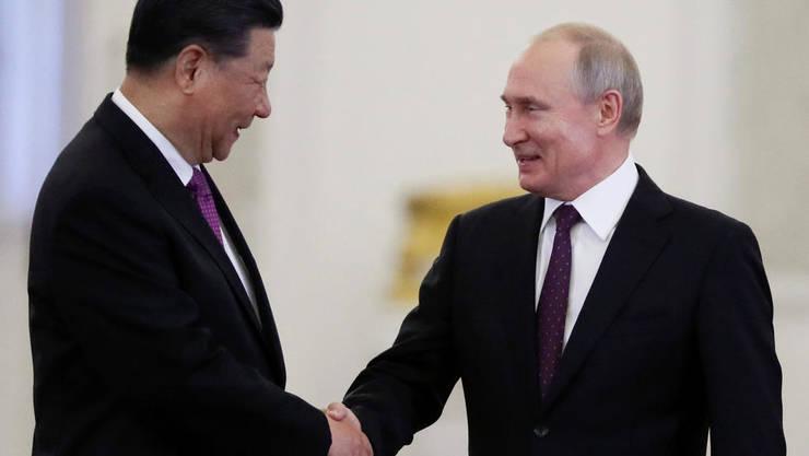 Xi Jinping primit de Vladimir Putin la Kremlin, 5 iunie 2019.