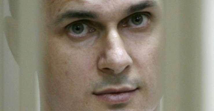Cineastul ucrainean Oleg Sentsov în timpul procesului, 22 iulie 2015