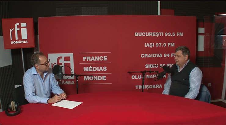 Constantin Rudniţchi si Cristian Şoricuţ in studioul de inregistrari RFI Romania