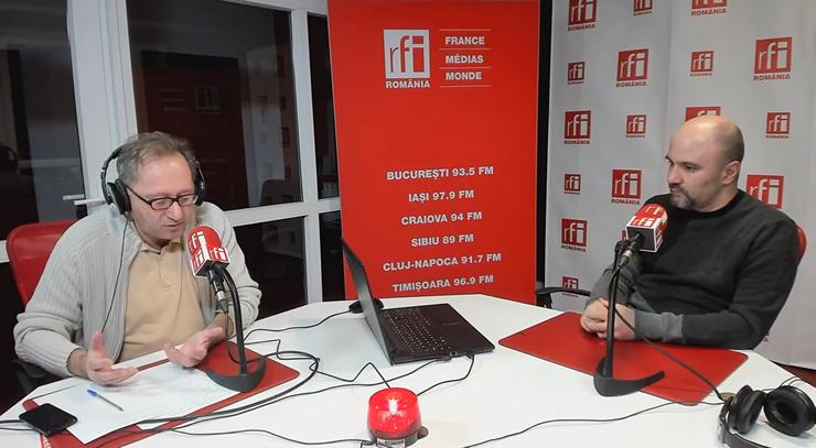 Constantin Rudniţchi si Radu Ciofu in studioul de emisie RFI