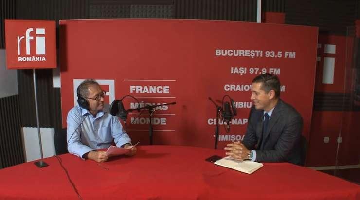 Constantin Rudniţchi și Tatian Diaconu in studioul RFI Romania