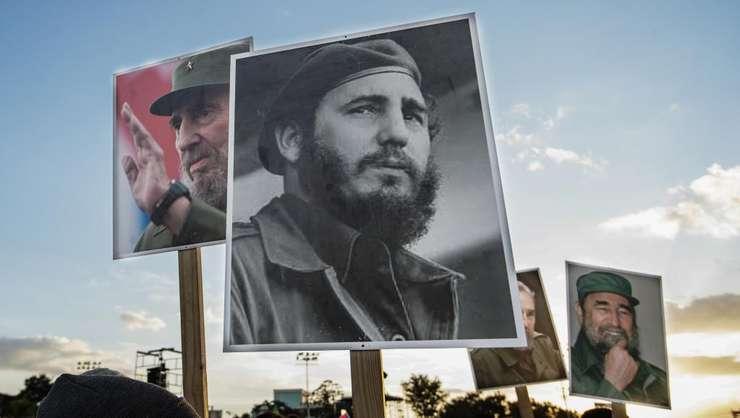 Multimea îi aduce un ultim omagiu lui Fidel Castro la Santiago de Cuba, 3 decembrie 2016