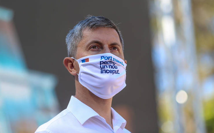 Dan Barna cu masca impotriva coronavirusului