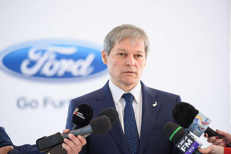 Premierul Dacian Cioloş, în vizită la sediul Ford (Foto: www.gov.ro)