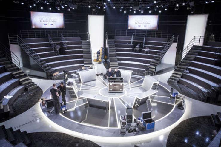 Platoul canalului TF1 pe care vor dezbate 5 din cei 11 candidati la prezidentialele franceze