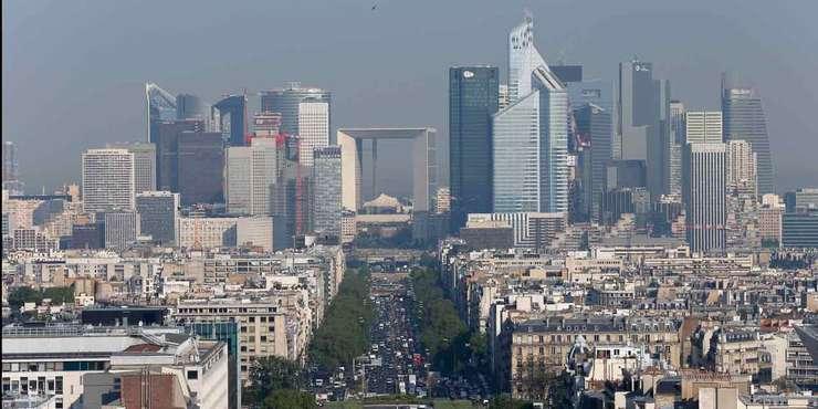 Cartierul de afaceri La Défense de lângà Paris