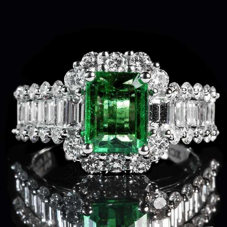 Suspectul român a vândut unul din diamante, iar cu inelul a intrat pe teritoriul României