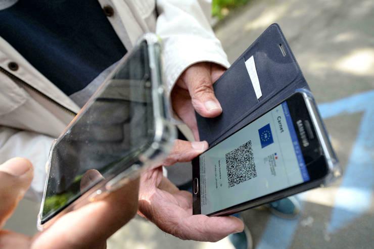 Din 30 august, unii salariati din Franta trebuie sa prezinte pasaportul sanitar pentru a putea lucra. Masura este destinata în special celor care lucreaza cu publicul.
