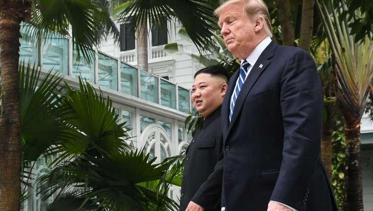 Donald Trump si Kim Jong Un la Hanoï, 28 februarie 2019.