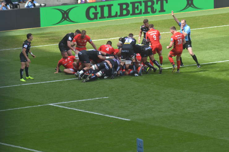 Saracens 37 Exeter Chiefs 34