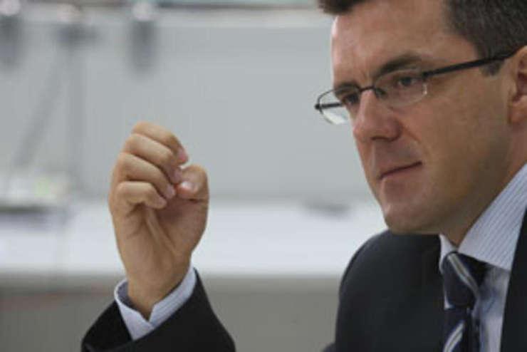 Dan Dungaciu la RFI: Europa nu poate lupta singură împotriva terorismului
