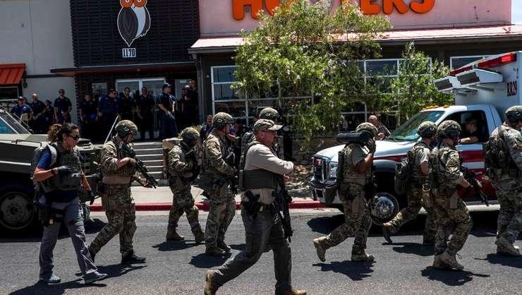 Forțe de ordine în El Paso, Texas, după atacul armat de sâmbătă, 3 august 2019.