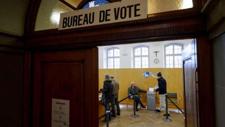 Elevetienii sunt deseori chemati la urne pentru a vota in cadrul unui referendum national