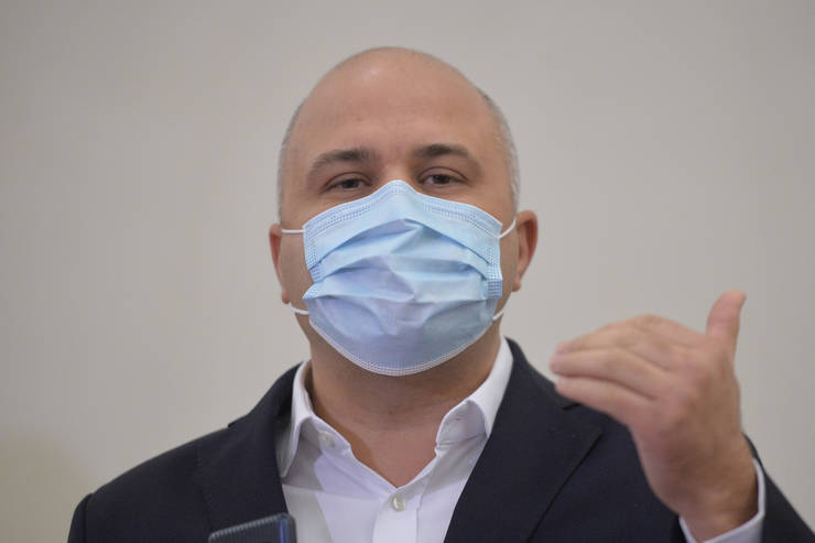 Emanuel Ungureanu ar vrea o implicare mai mare a Bisericii în campania de vaccinare (Sursa: MEDIAFAX FOTO/Alexandru Dobre)